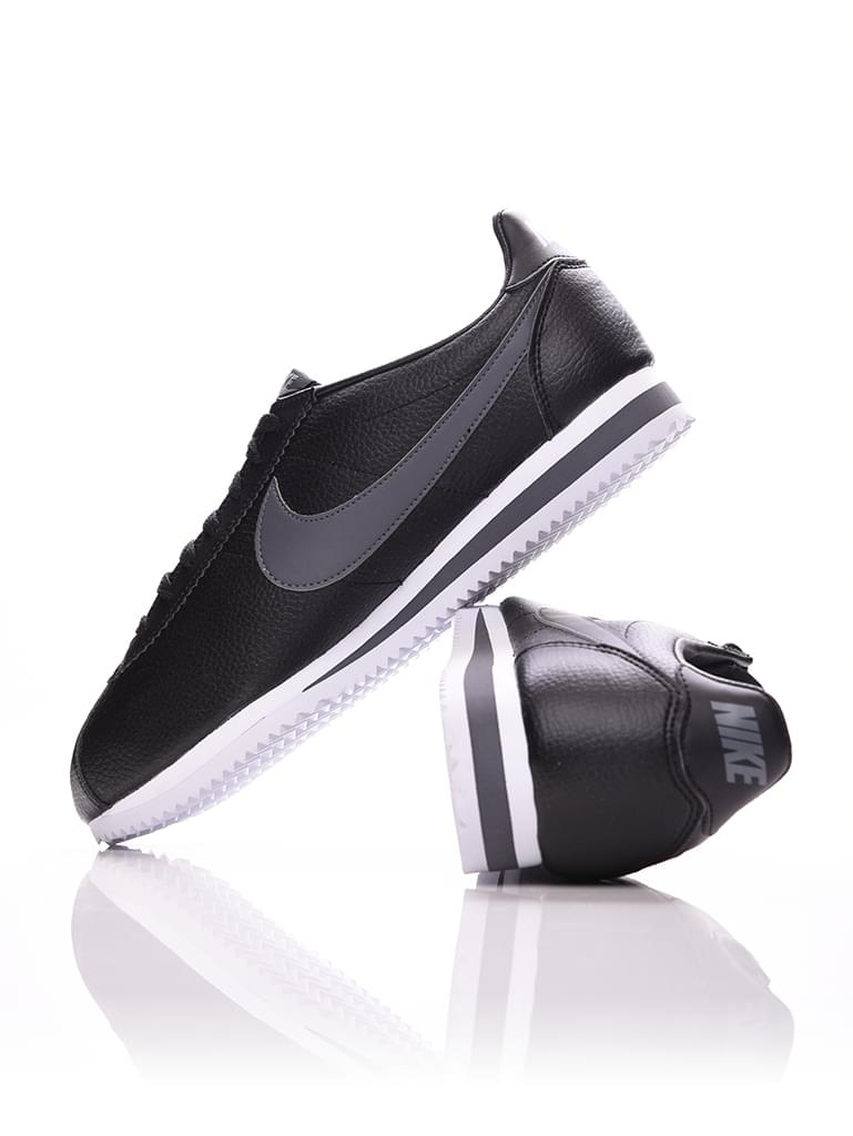 timeless design 519f1 b9489 Mens Nike Classic Cortez Leather Shoe